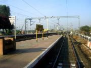 ट्रेन सेवाग्राम स्टेशन पर आ रही है। अंतिम डिब्बे से लिया चित्र।