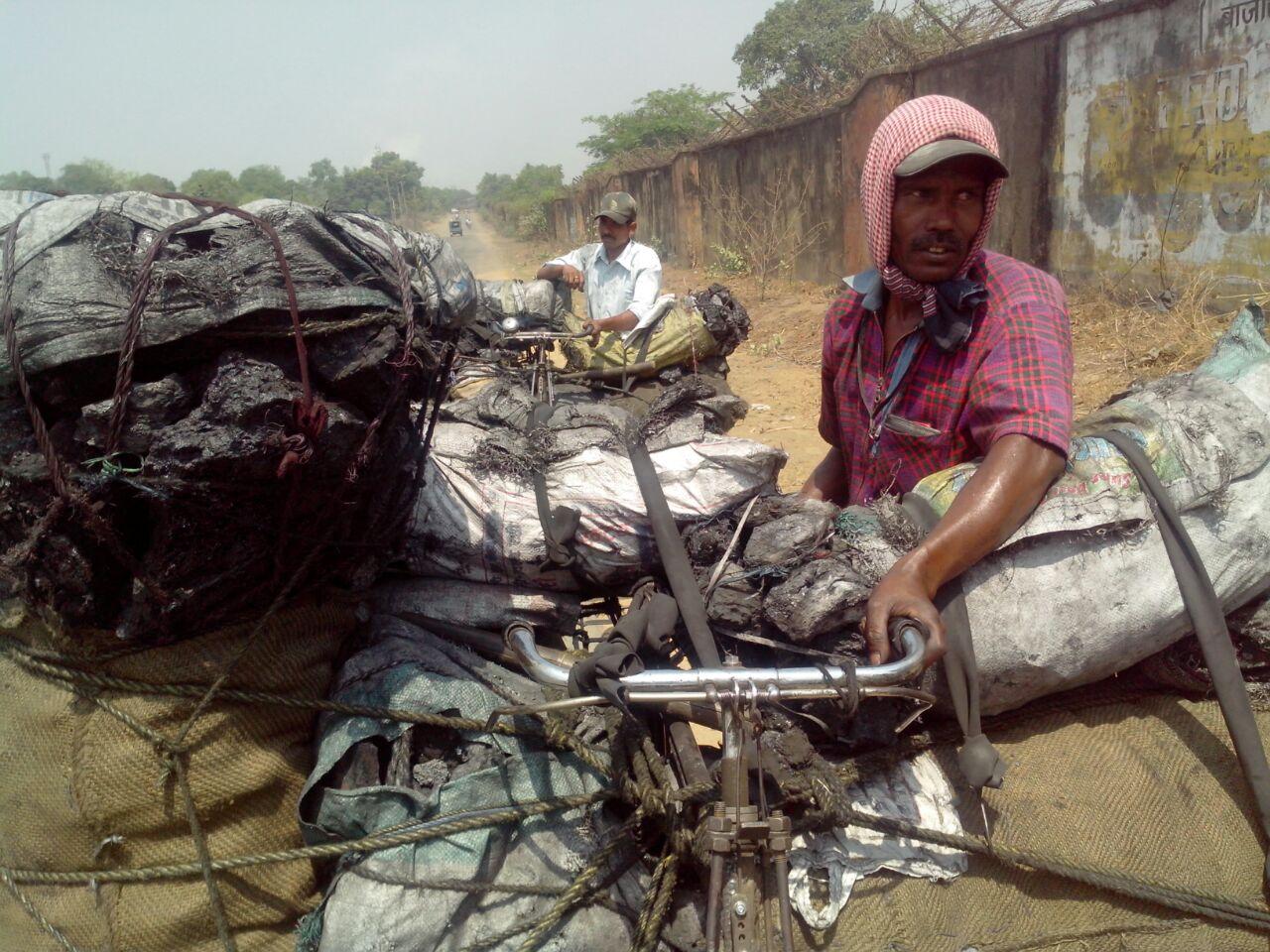 फोड़ का व्यवसायी  और यातायात करने वाला - बालूचन्द