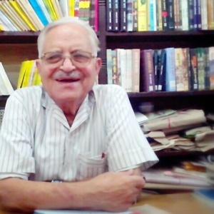 श्री दिनेश ग्रोवर, लोकभारती, इलाहाबाद के मालिक।