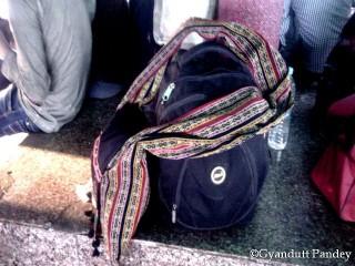 शैलेश का यात्रा के लिये सामान।