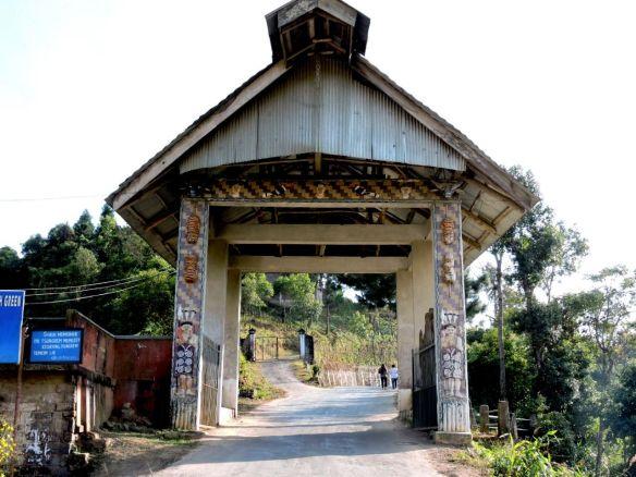 हर गांव में एक द्वार होता है नागालैण्ड में