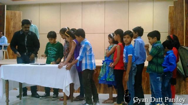 रतलाम नियंत्रण कर्मियों के बच्चे खेल में भाग लेते।