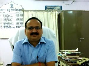 श्री करुणेश प्रताप सिंह, महाप्रबन्धक, टेलीकॉम, वाराणसी जिला।