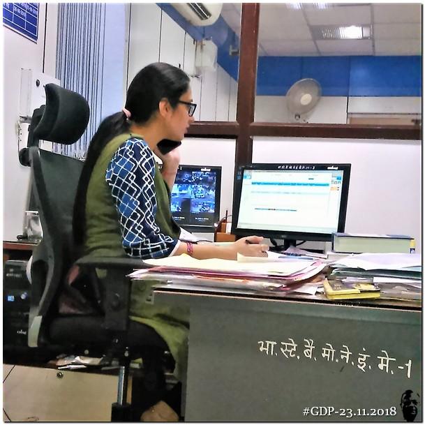 प्रयागराज, लाइव सर्टीफिकेट और बैंक अधिकारी श्रीमती दिव्या गौड़ सेमुलाकात