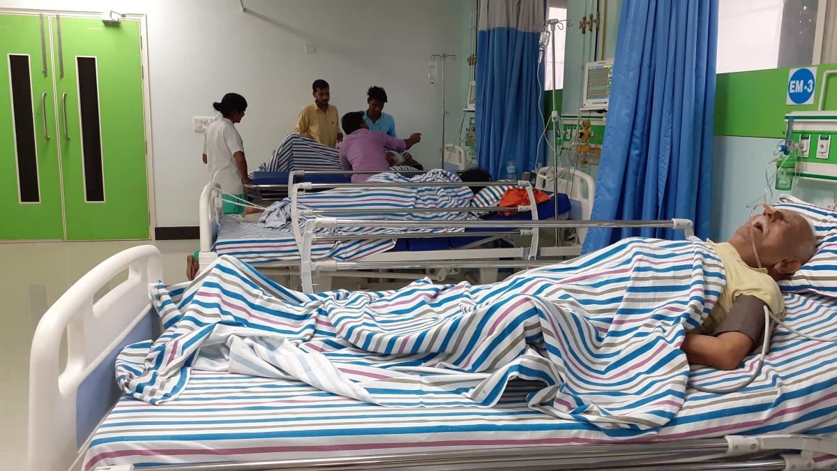 अस्पताल के एमरजेंसी वार्ड कावैराग्य