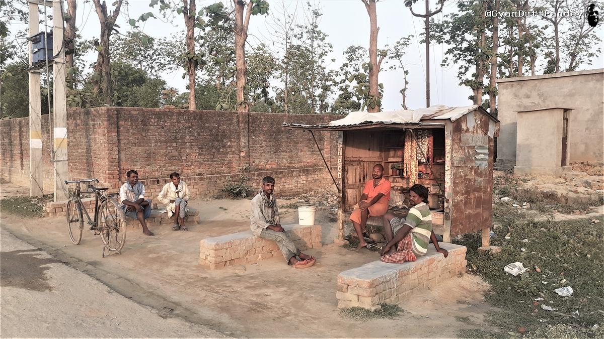 लौटे प्रवसियों की प्राथमिकता कोरोना से बचाव नहीं, रोजगार है#गांवकाचिठ्ठा