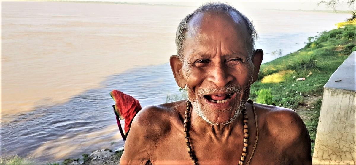 केदारनाथ चौबे, परमार्थ, प्रसन्नता,  दीर्घायु और जीवन की दूसरीपारी