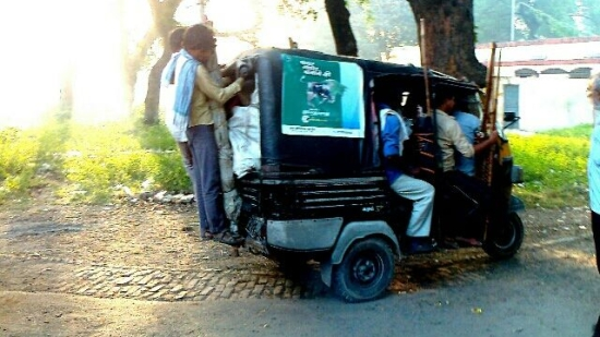 autorickshaw at madhosingh railway station
