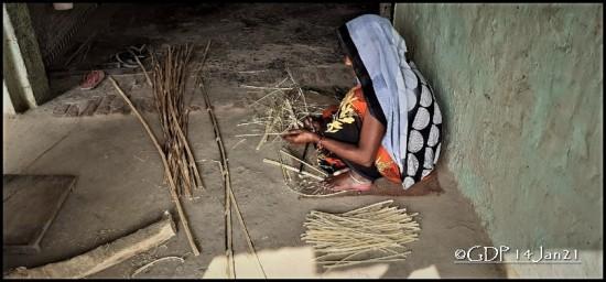 bamboo pealing lady